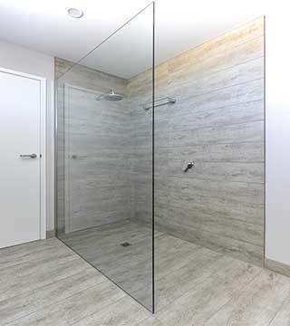 Frameless Shower Screens 10mm Geelong Splashbacks Atmos
