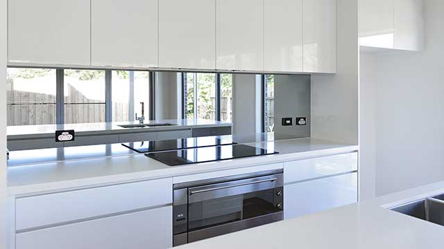 mirraGLO BLING™ - MIRROR KITCHEN GLASS SPLASHBACK - OCEAN GROVE - Supplied & Installed by - geelongsplashbacks.com.au