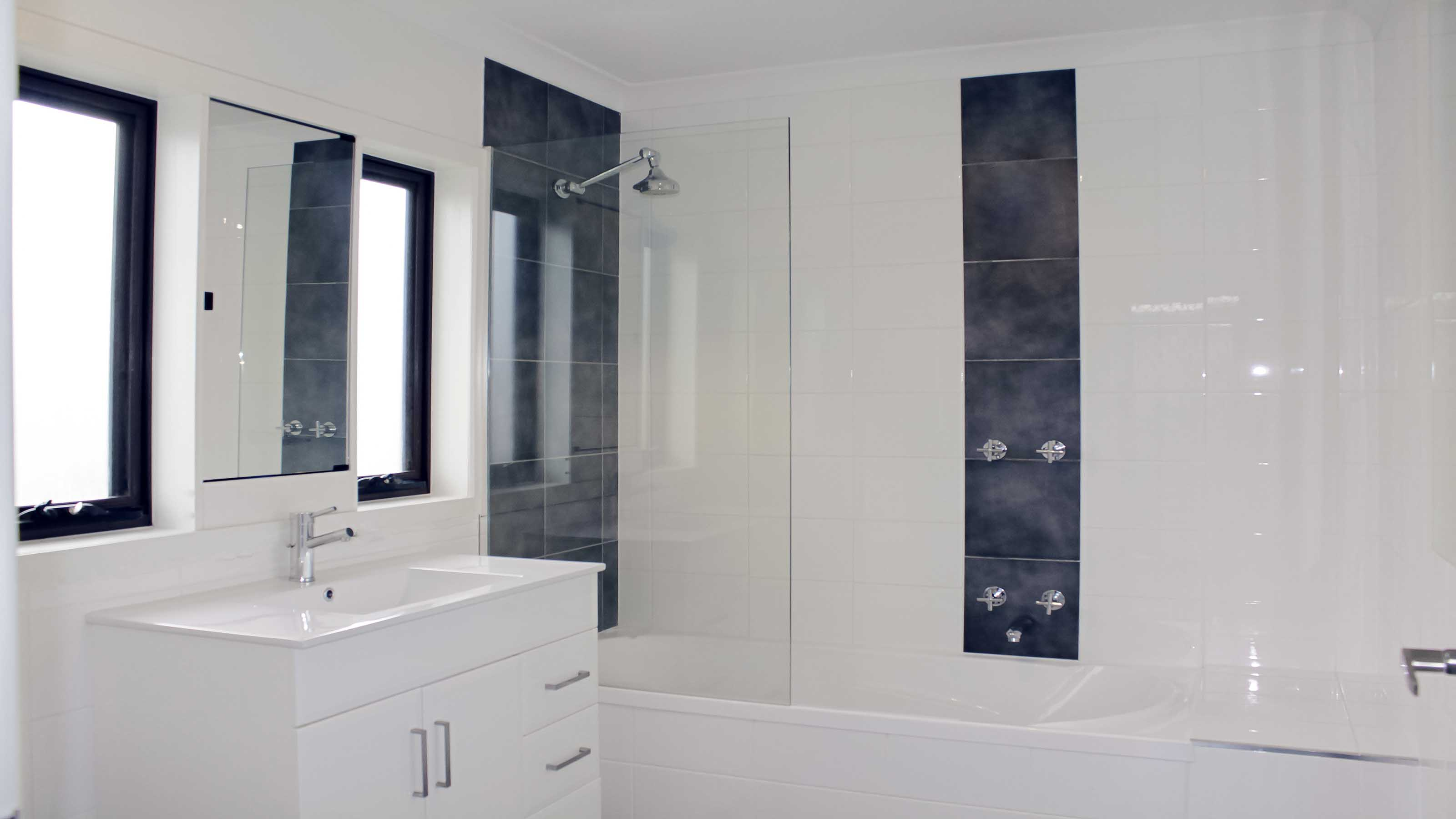 ALLURE™ - Frameless Shower Screen Panel - Over Bathtub - Highton - Supplied & Installed by - geelongsplashbacks.com.au